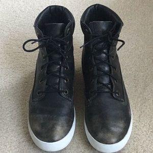 Timberland women's distressed boots size US8 EU39